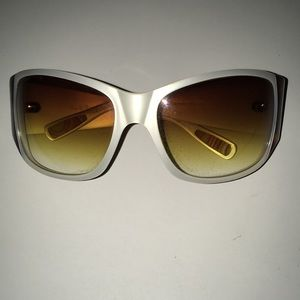 PAUL SMITH pearl tortoise sunglasses
